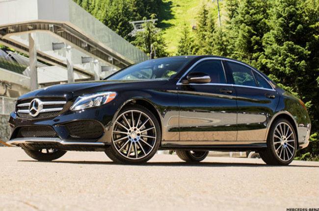 Mercedes-Benz C-Class là mẫu sedan tầm trung sang trọng với hệ thống điều hòa đắt tiền cho phép bạn bơm hương thơm tùy chọn vào cabin xe qua các lỗ thông của điều hòa. Những mùi hương này có thể xóa tan đi mùi rượu, hơi xăng dầu từ đường phố và còn cải thiện chất lượng không khí với hệ thống ion oxy và bộ lọc không khí của điều hòa.