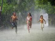 Tin tức trong ngày - Ngày mai miền Bắc xuất hiện mưa giông, chấm dứt nắng nóng