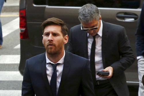 Hầu tòa vì trốn thuế, Messi bị ví như trùm mafia - 1
