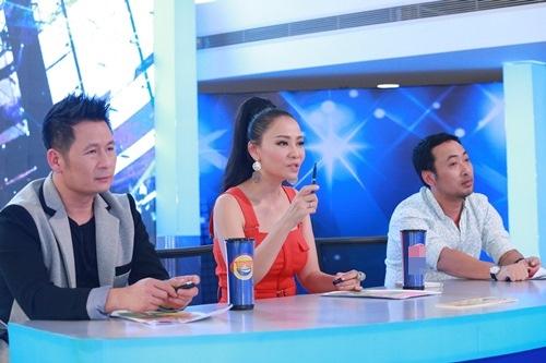 Hot boy Việt kiều vẫn giành vé vàng Idol dù hát không hay - 2