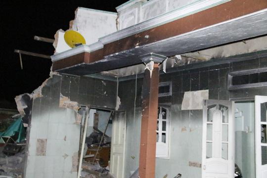Công tác khám nghiệm vụ nổ ở Phú Quý gặp khó - 1