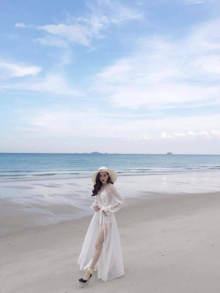 Hạ nhiệt với ảnh mỹ nữ Việt thả dáng bên làn nước mát - 2