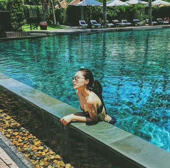 Hạ nhiệt với ảnh mỹ nữ Việt thả dáng bên làn nước mát - 3