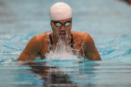 Phelps thua sốc SAO Singapore, Ánh Viên phá kỷ lục SEA Games - 2