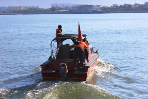 """Tiếp tục """"bới lòng sông Hàn"""" tìm kiếm 3 nạn nhân mất tích - 1"""