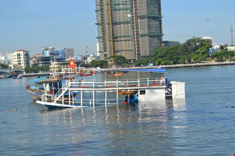 Ảnh: Đặc công lặn tìm nạn nhân vụ chìm tàu sông Hàn - 7