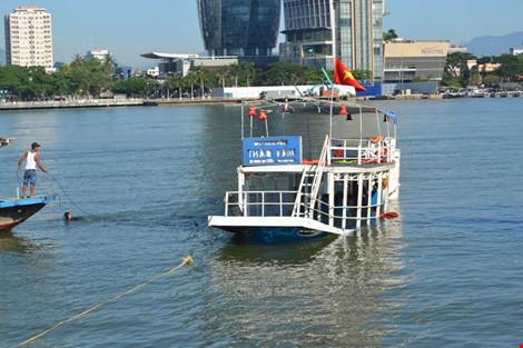 Ảnh: Đặc công lặn tìm nạn nhân vụ chìm tàu sông Hàn - 8