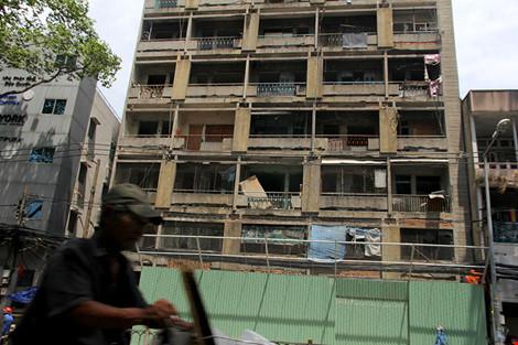 """Bên trong chung cư """"ma"""" sắp được tháo dỡ ở Sài Gòn - 2"""