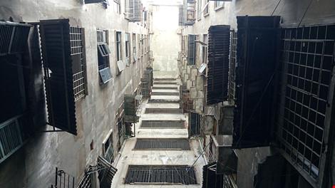 """Bên trong chung cư """"ma"""" sắp được tháo dỡ ở Sài Gòn - 4"""