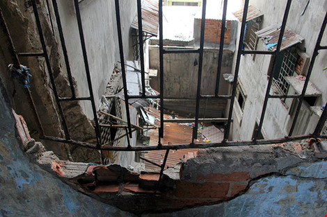"""Bên trong chung cư """"ma"""" sắp được tháo dỡ ở Sài Gòn - 7"""