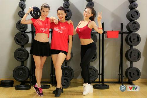 """Dàn hot girl tập luyện chờ """"nóng cùng EURO 2016"""" - 1"""