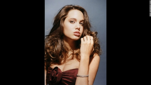 Ngắm Angelina Jolie ngây thơ tuổi 15 - 3