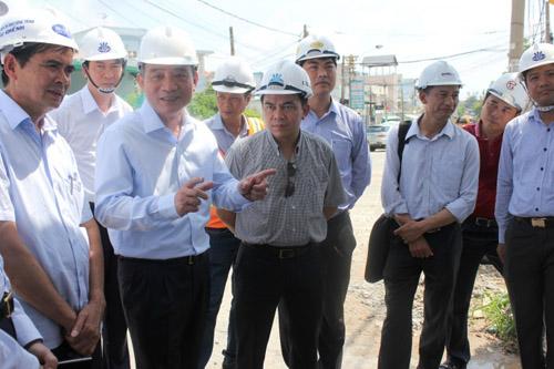 Bộ trưởng Bộ GTVT kiểm tra tiến độ thi công cầu Ghềnh - 3