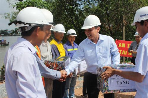 Bộ trưởng Bộ GTVT kiểm tra tiến độ thi công cầu Ghềnh - 4