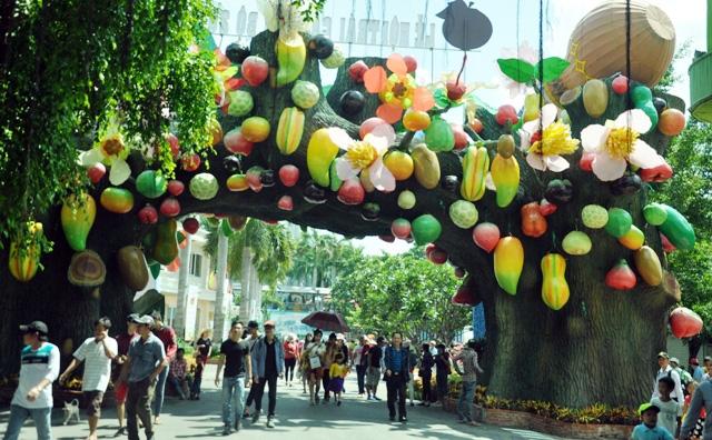Trái cây khổng lồ hội tụ ở Sài Gòn - 6