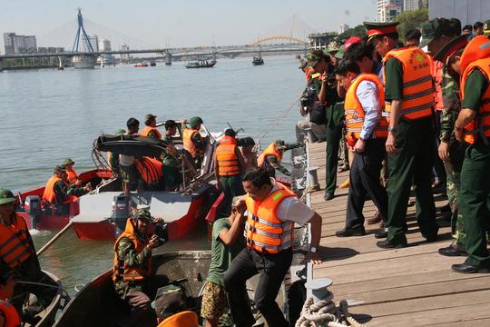 Vụ chìm tàu sông Hàn: Tìm thấy thi thể 3 người mất tích - 5