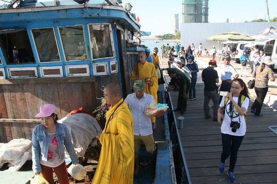 Vụ chìm tàu sông Hàn: Tìm thấy thi thể 3 người mất tích - 6