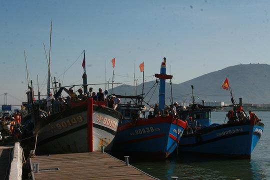 Vụ chìm tàu sông Hàn: Tìm thấy thi thể 3 người mất tích - 11