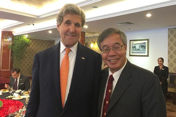 Người trong cuộc nói gì về ĐH Fulbright Việt Nam và Bob Kerrey? - 1