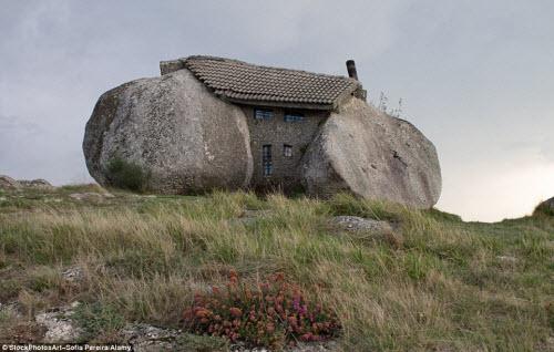 Những ngôi nhà kỳ dị nhất trên thế giới - 3