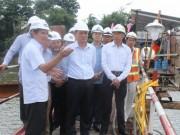 Tin tức trong ngày - Bộ trưởng Bộ GTVT kiểm tra tiến độ thi công cầu Ghềnh
