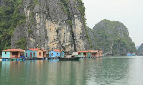 Về làng chài cổ, đẹp nhất thế giới ở vịnh Hạ Long - 3