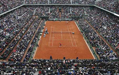 Nghẹn ngào hạnh phúc, Djokovic vẽ trái tim ở Roland Garros - 2