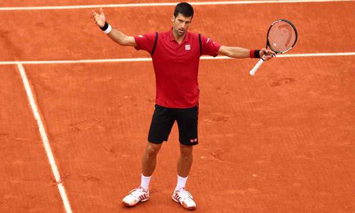 Nghẹn ngào hạnh phúc, Djokovic vẽ trái tim ở Roland Garros - 5