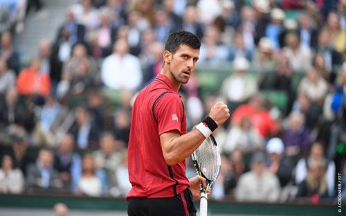 Nghẹn ngào hạnh phúc, Djokovic vẽ trái tim ở Roland Garros - 3