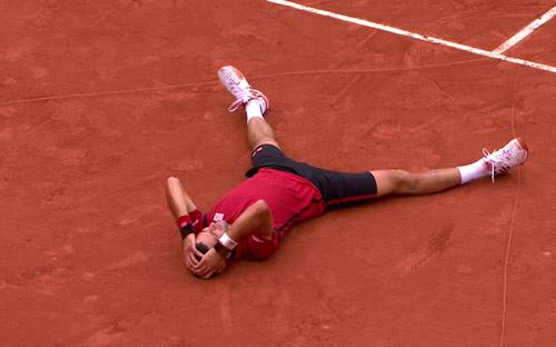 Nghẹn ngào hạnh phúc, Djokovic vẽ trái tim ở Roland Garros - 7