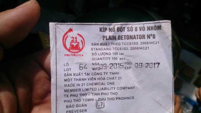 Vụ nổ ở đảo Phú Qúy: Tận thấy những bánh thuốc nổ - 4