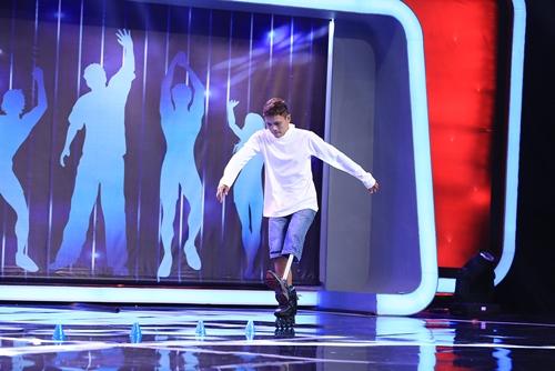 Chàng trai trượt patin 1 chân khiến khán giả ngưỡng mộ - 3