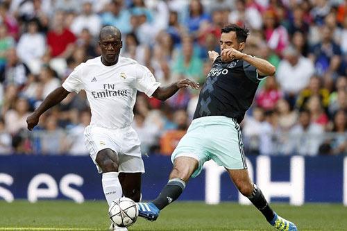 """Figo, Raul """"nhảy múa"""" cùng đội huyền thoại Real - 8"""