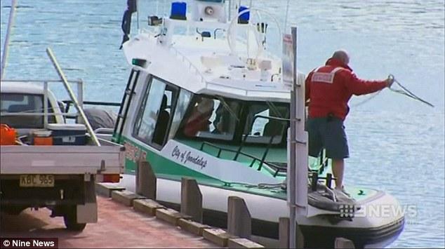 Úc: Du khách bị cá mập dài hơn 5m giết chết - 1