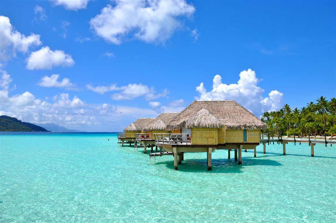 Những hòn đảo du lịch đẹp mê hoặc ở Indonesia - 1