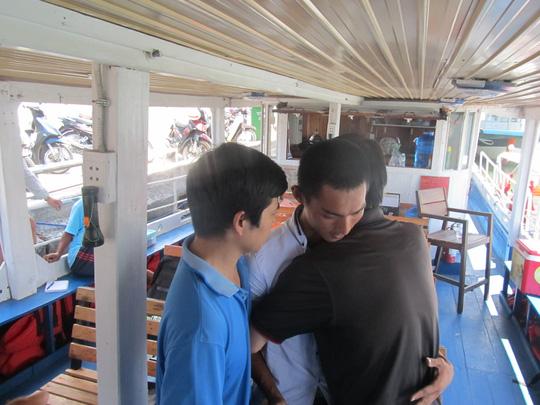 Vụ chìm tàu sông Hàn: Gặp lại những người hùng thầm lặng - 1