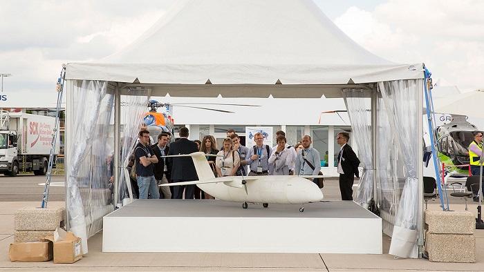 Chiếc máy bay đầu tiên in bằng công nghệ 3D - 1