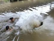 Tin tức trong ngày - Đi bắt nuốc trên phá Tam Giang, 2 học sinh chết đuối