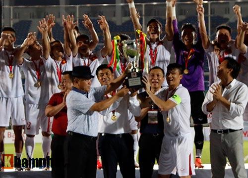 ĐT Việt Nam vô địch, HLV Hữu Thắng đặc biệt khiêm tốn - 2