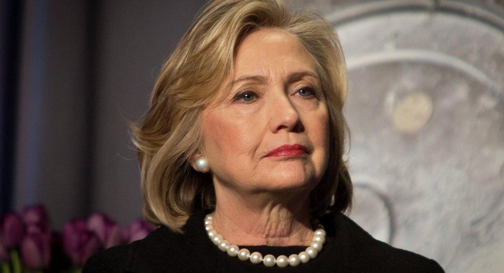 """Bà Clinton """"gom"""" đủ phiếu thành ứng viên tổng thống Mỹ - 1"""