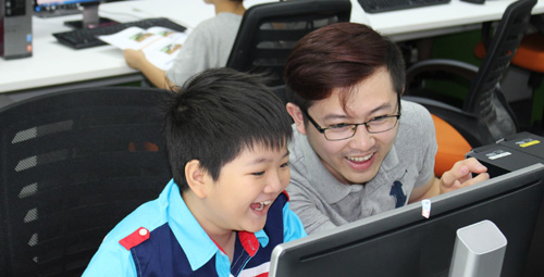 Trải nghiệm lập trình cho 72 em học sinh tiểu học tại Tp.HCM - 1