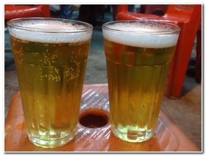 Kinh hoàng sản xuất bia hơi rẻ hơn trà đá - 1