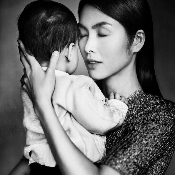 Tăng Thanh Hà bị chê gầy bên cạnh con trai cưng - 1