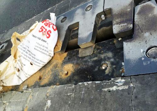 Ô tô nổ lốp vì khe hở trên cao tốc TPHCM - Long Thành - Dầu Giây - 1