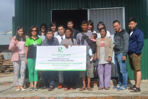 TTMS Robins: bảo tồn làng nghề truyền thống thổ cẩm địa phương - 1