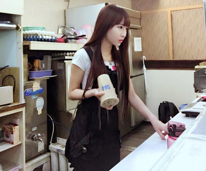 Hot girl trà sữa Trung Quốc khiến dân mạng mê mệt - 2