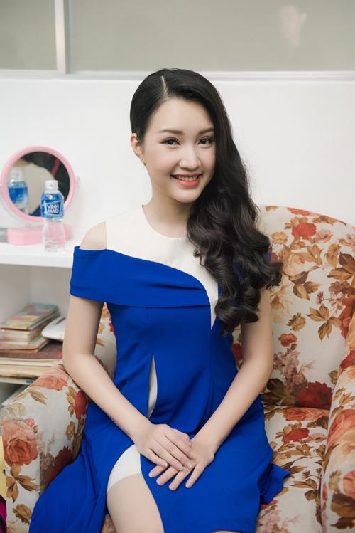 """Hậu trường chụp bikini rất """"nóng"""" của Hoa hậu VN 2016 - 12"""