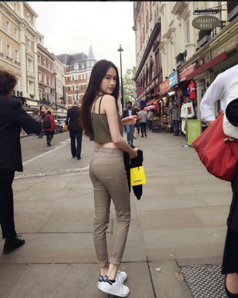 """""""Đệ nhất hot girl Lào"""" vừa sành điệu lại sexy - 12"""