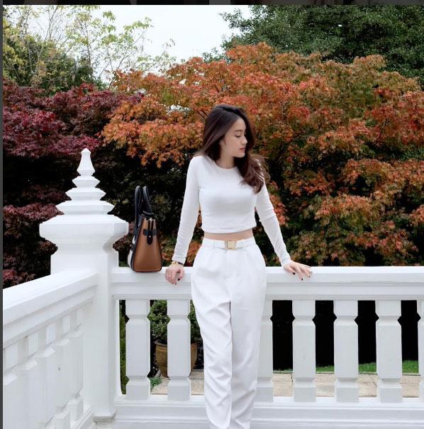 """""""Đệ nhất hot girl Lào"""" vừa sành điệu lại sexy - 14"""