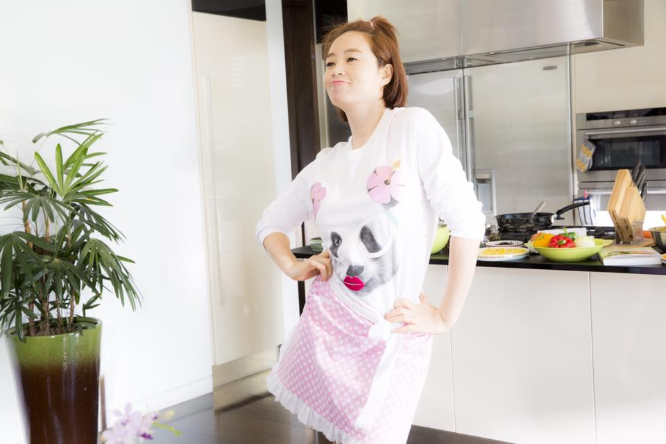 """""""Nữ hoàng gợi cảm"""" Kim Hye Soo có bầu trong phim mới - 9"""
